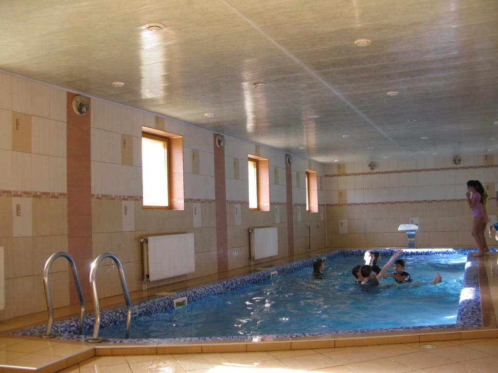 Отдых в Карпатах на майские с бассейном