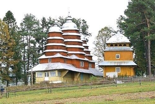 Знаменитые церкви Карпат и Закарпатья, что посмотреть на отдыхе.