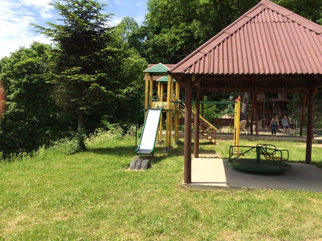Отдых в Карпатах летом с детьми