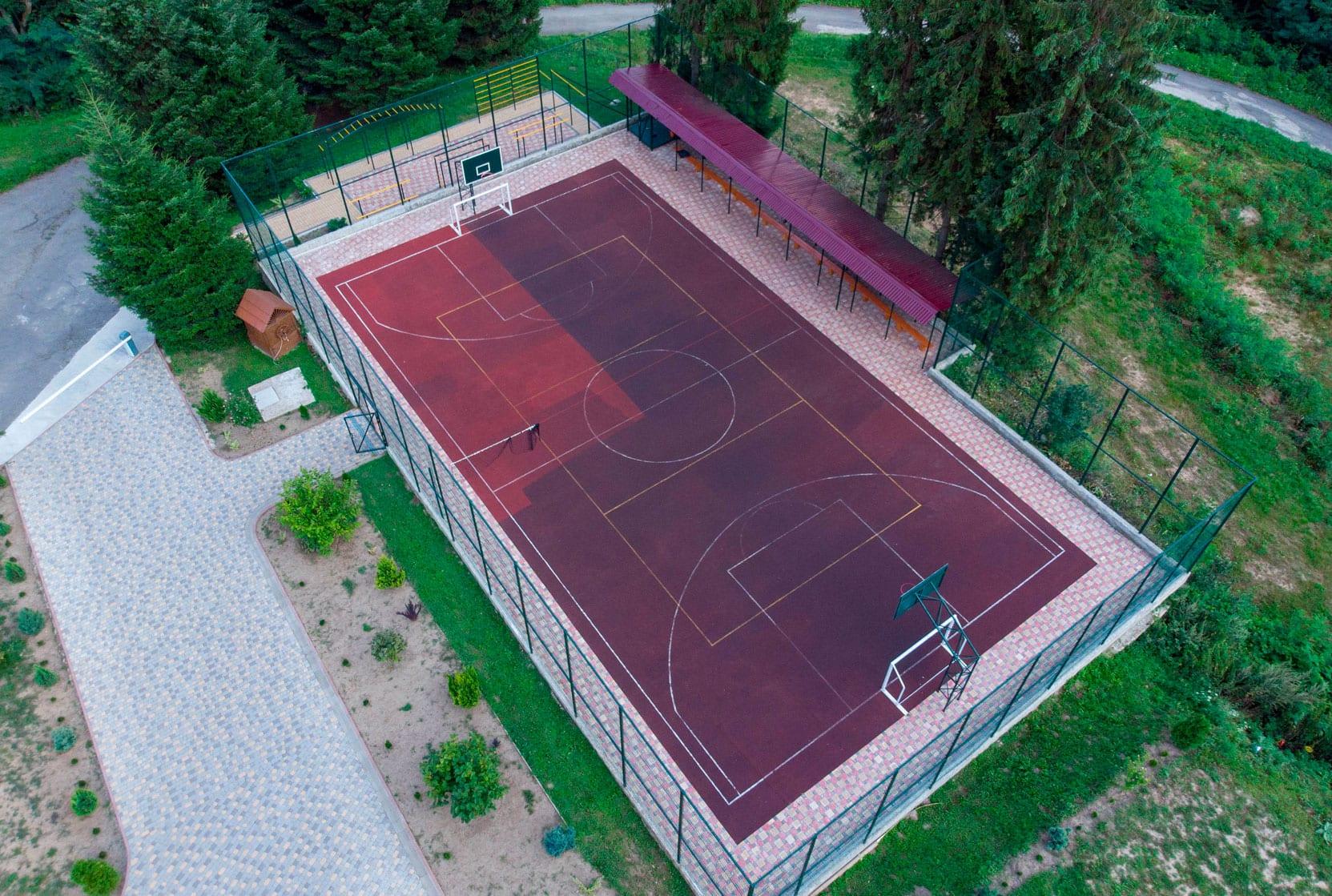 спортивная площадка туркомплекса Эдельвейс